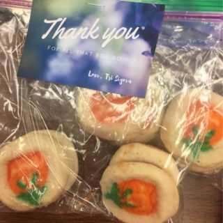 The Epsilon Zeta Chapter baked cookies and delivered them to campus staff during CC! Week.
